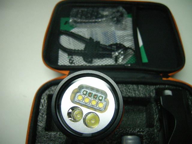 MLV 2.2 Videoleuchte mit Rot-/Blau-/Spotlicht, Abverkauf